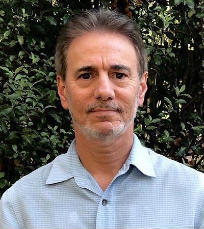 photograph of Dr. Noah Oderberg, Oakland, Berkeley & East Bay CA Psychologist & Therapist for Psychotherapy, Couples & Marriage Counseling, Depression, Anxiety, Stress, Infidelity, Relationships & Conflict